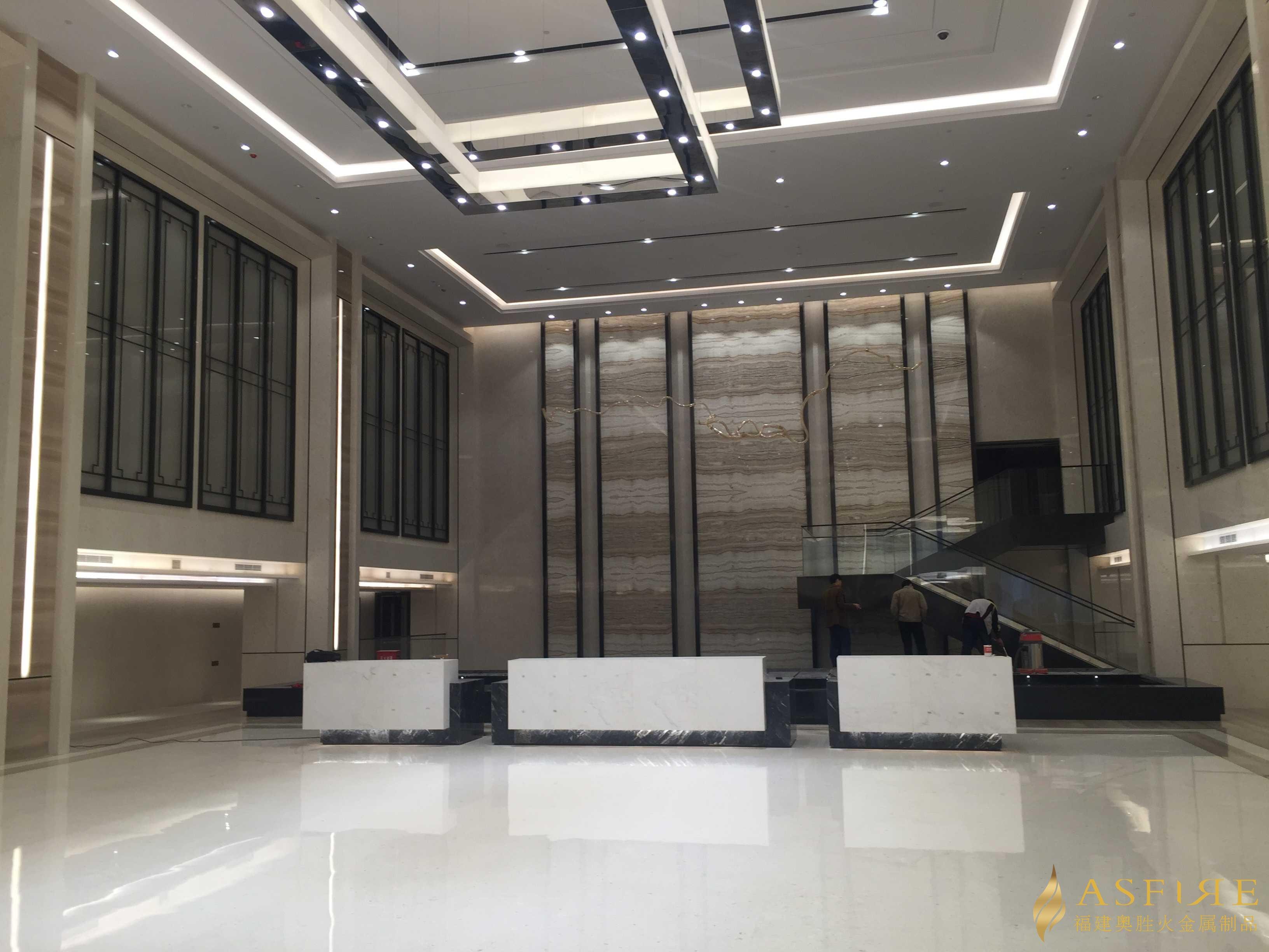 黑钛纬来体育在线看nba装饰的大厦大厅